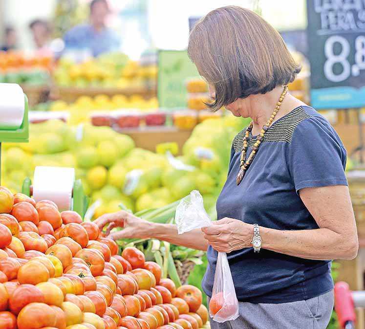 IPCA sobe 1,25% na Capital puxado por alimentos in natura