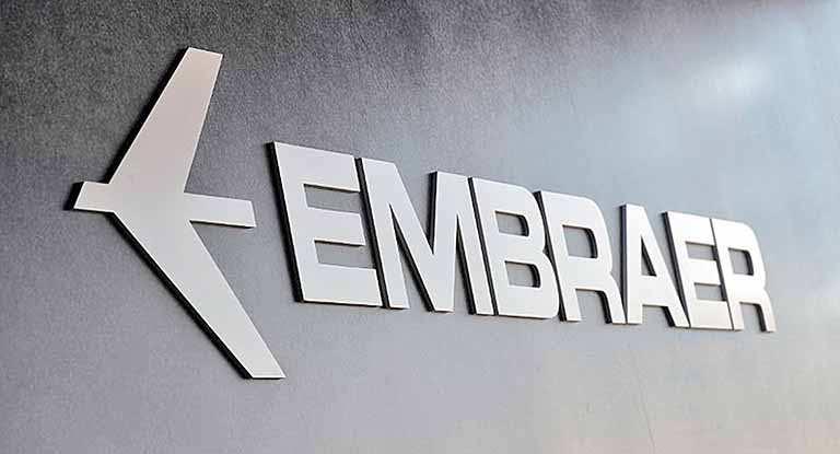 Fachada com o logotipo da Embraer