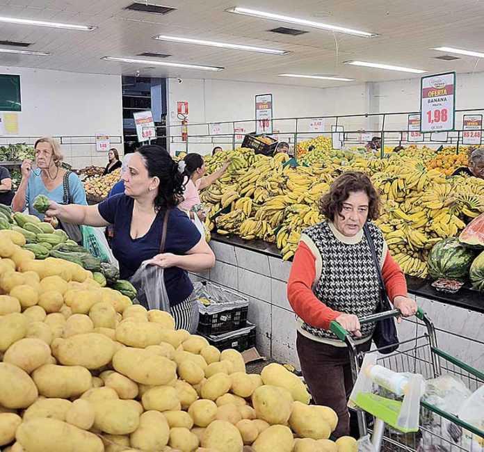 Alimentos puxam inflação na RMBH em janeiro