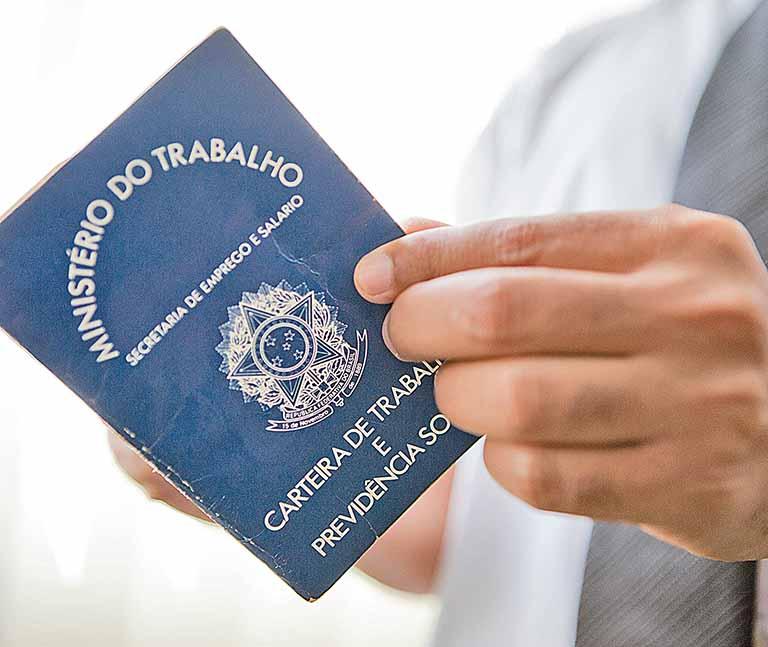 Desocupação em Minas recua para 9,5%