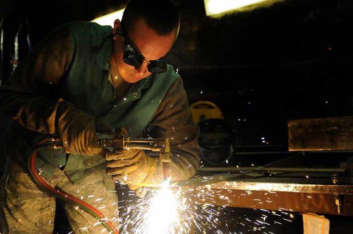 Desempenho das pequenas indústrias melhora