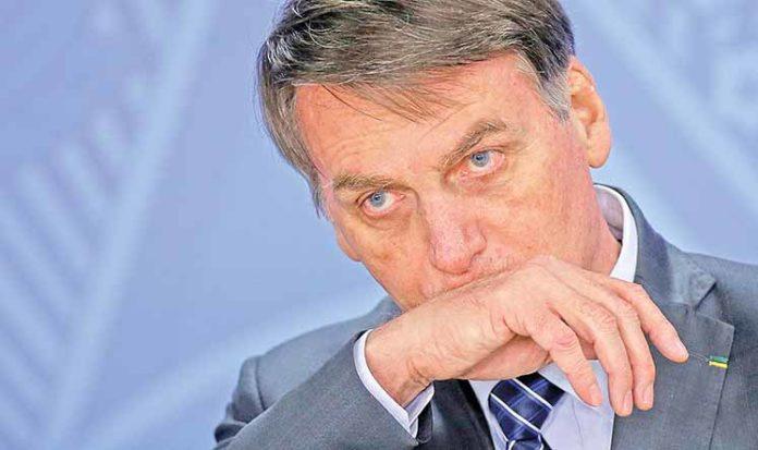 Bolsonaro nomeia almirante para a SAE e reforça o núcleo militar