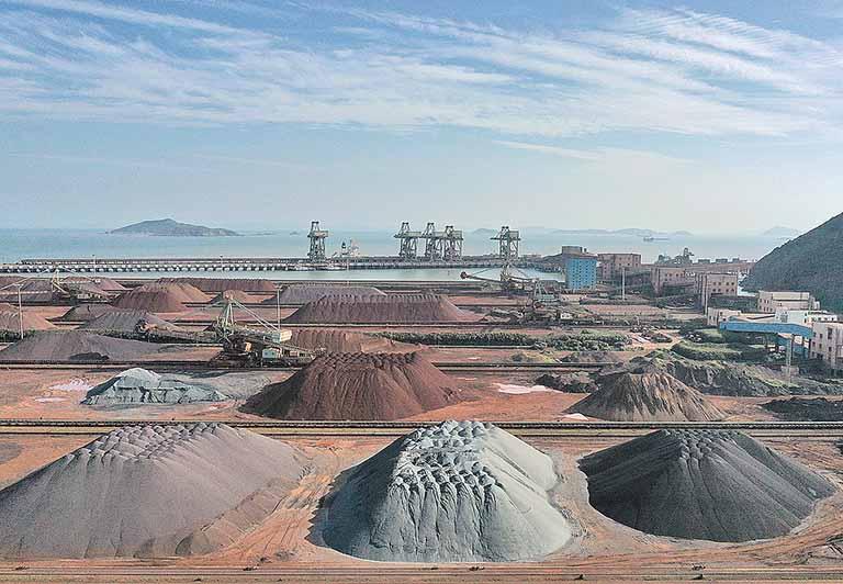 BHP registra melhor resultado em cinco anos, impulsionada pela alta do minério de ferro