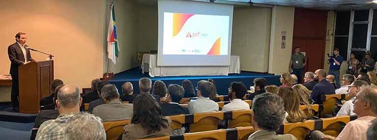 Plano ferroviário de Minas Gerais é analisado em reunião