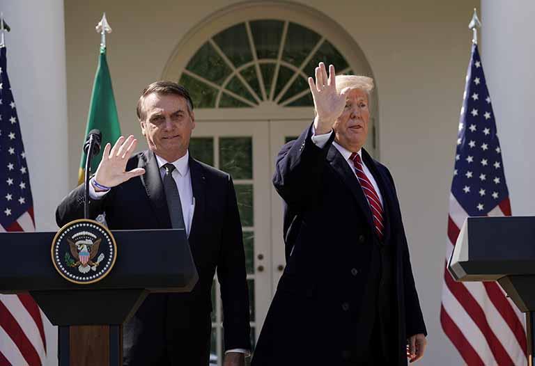 Resultado de imagem para Presidente Jair Bolsonaro chega aos EUA e deve se reunir com Trump