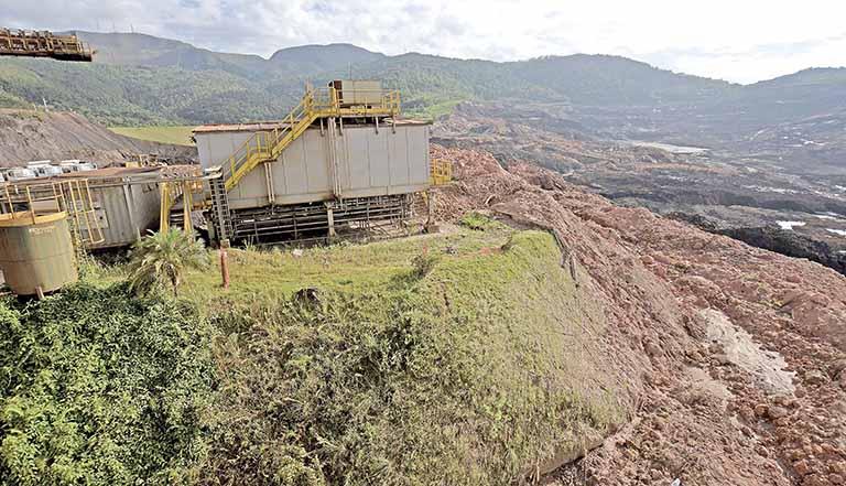 Escombros de rompimento de mina da Vale em Brumadinho (MG) | Crédito: Washington Alves / REUTERS