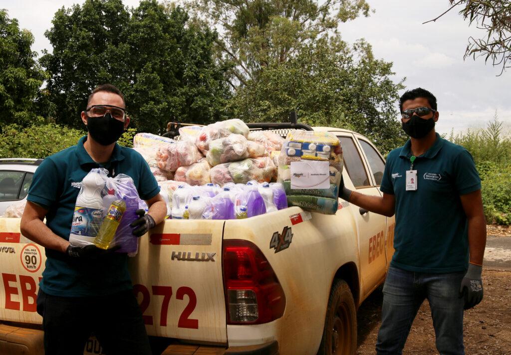 Entrega das doações durante pandemia da Covid-19 (Mosaic Fertilizantes) | Crédito: Divulgação