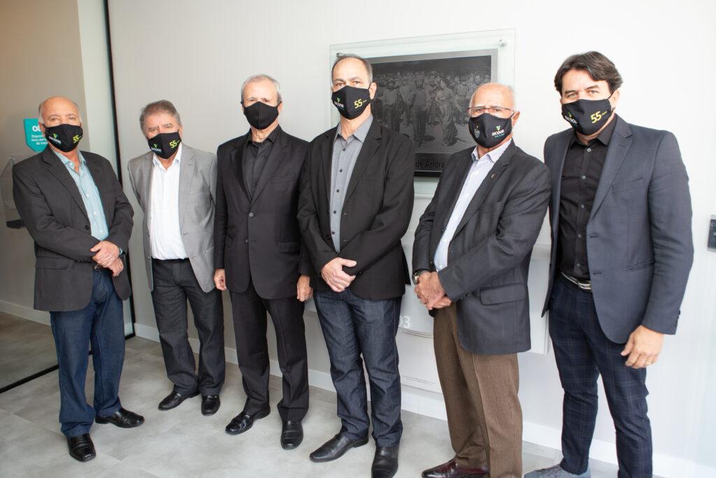 Da esquerda para a direita: Matusalém Sampaio, Manoel Medeiros, Sérgio Leite, Flávio Leal, Luiz Gonzaga e Wander Luís   Crédito: Divulgação/Sicoob