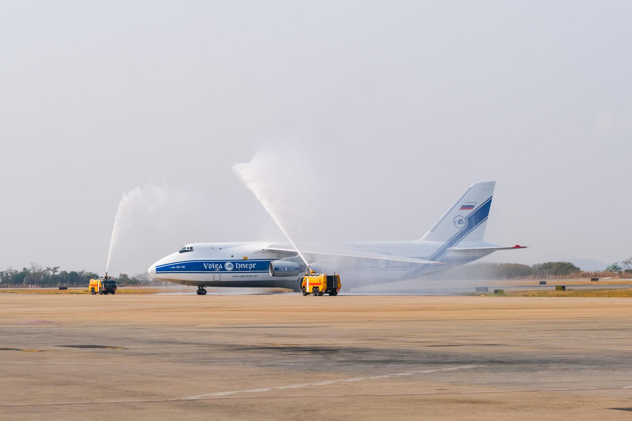 Antonov AN-124, segundo maior avião de cargas do mundo