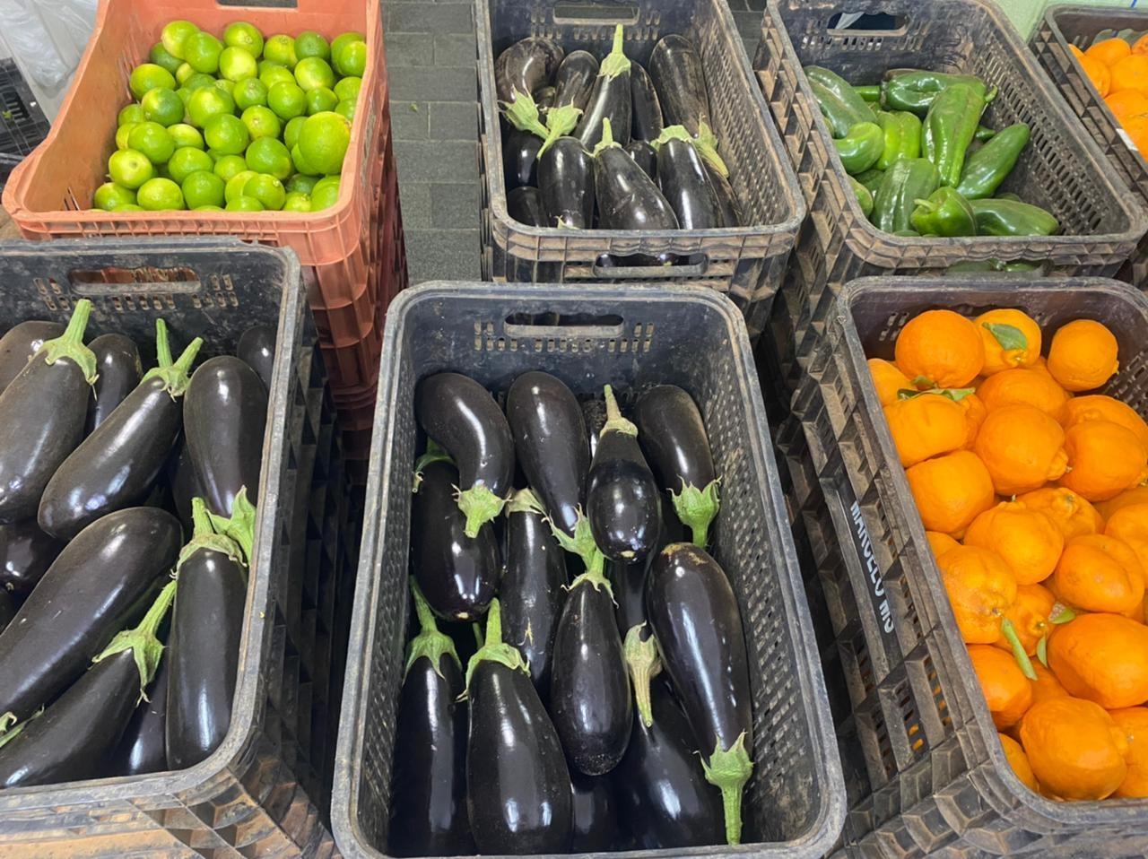 Caixas com verduras