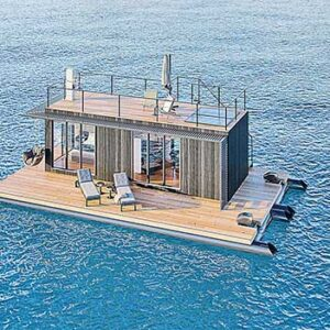 O flutuante possui uma área total de 84 metros quadrados, no qual abriga uma casa de 28,8 metros quadrados   Crédito: Divulgação