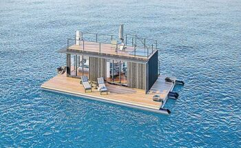 O flutuante possui uma área total de 84 metros quadrados, no qual abriga uma casa de 28,8 metros quadrados | Crédito: Divulgação