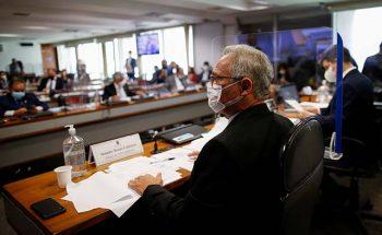 O relatório final do senador Renan Calheiros foi aprovado por sete votos a favor e 4 contra | Crédito: REUTERS/Adriano Machado