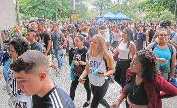A busca por uma vaga de estágio na época das férias é uma boa opção - Crédito: Fernando Frazão/Agência Brasil