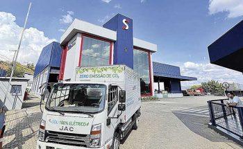 Recentemente chegou o primeiro caminhão elétrico da frota, colocado em teste em Minas   Crédito: Divulgação